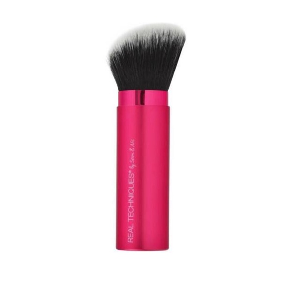 Real Techniques Other - REAL TECHNIQUES Angled Retractable Kabuki Brush